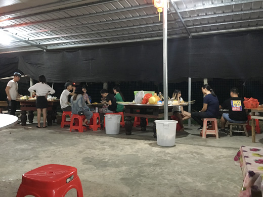 家庭举办自助烧烤聚餐(晚场)